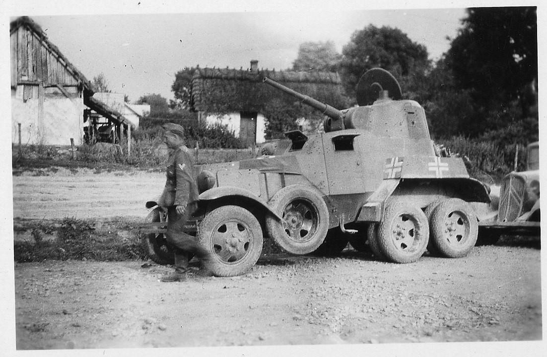 BA-10 usado como fuerza auxiliar por la Wehrmacht