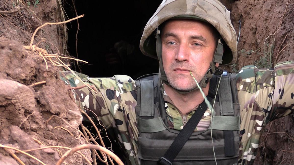 Zakhar Prilepin fighting in Donbass