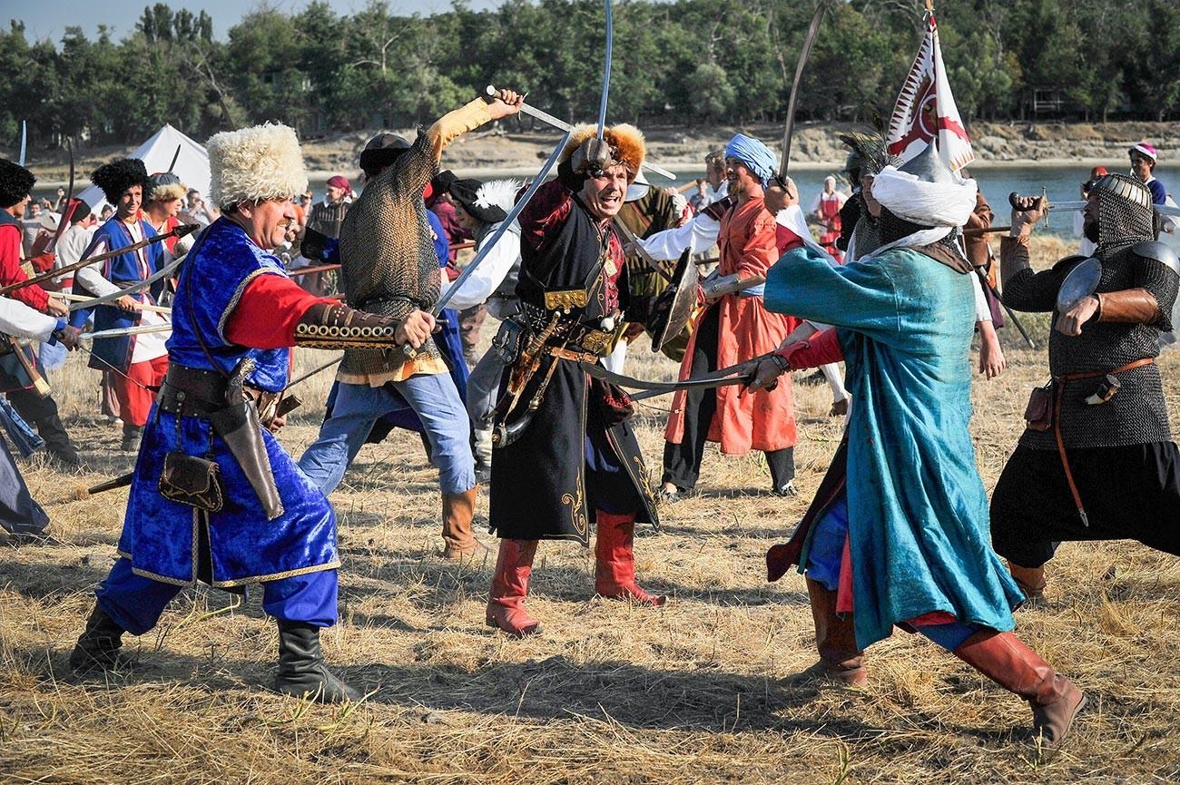 Reconstituição de batalha cossaca do século 17