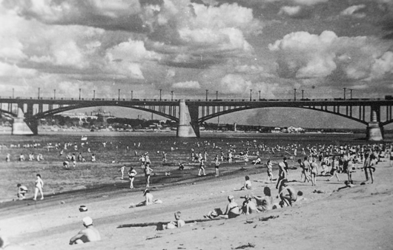 十月橋の隣にあった浜辺