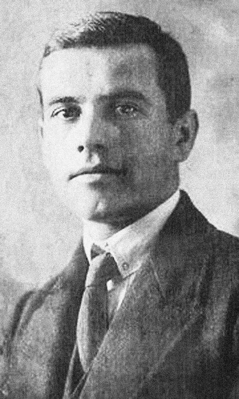 Alexánder Ulánovski.