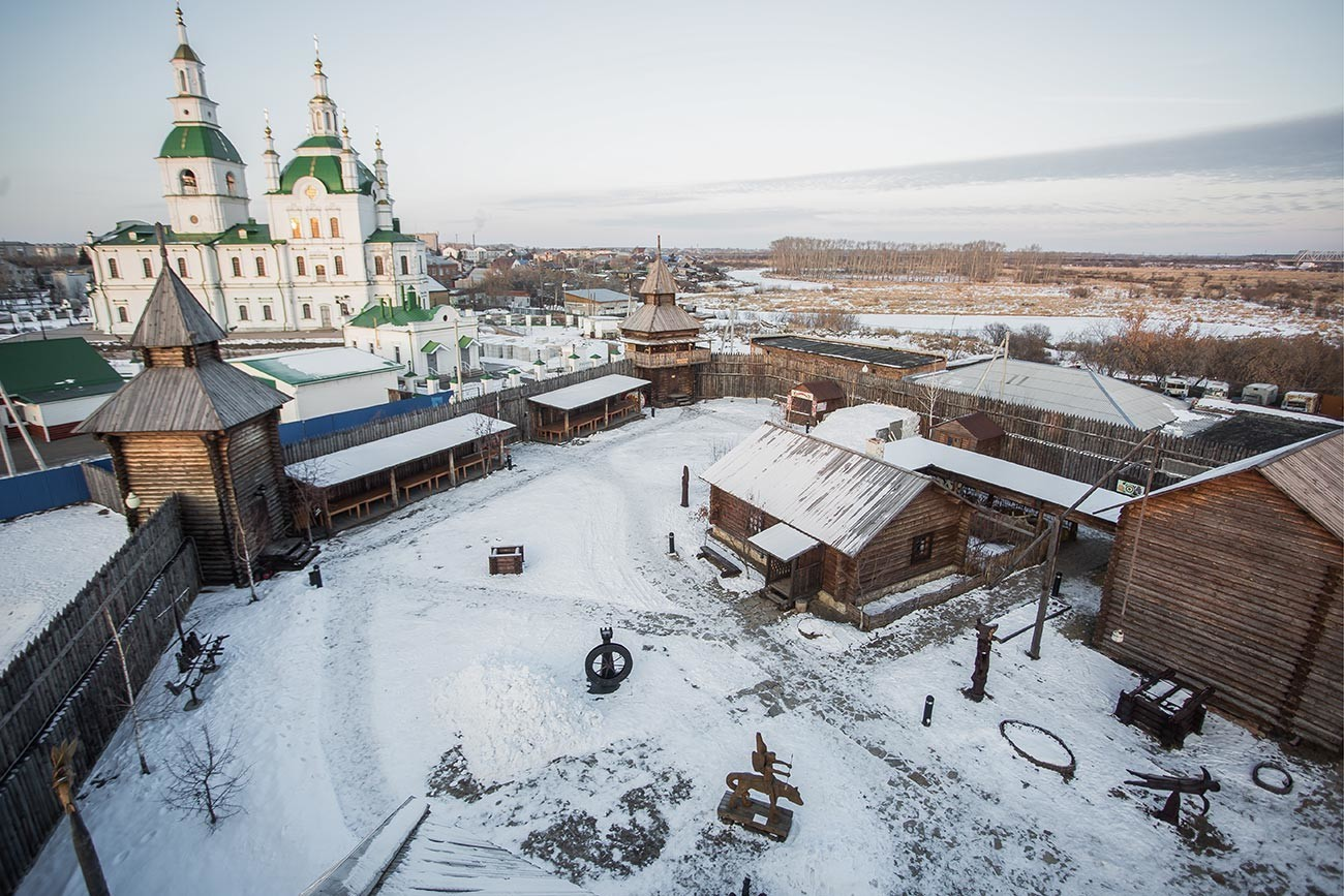 Jalutorovski ostrog, Tjumenska regija, Rusija - ena od najstarejših preživelih sibirskih kozaških trdnjav