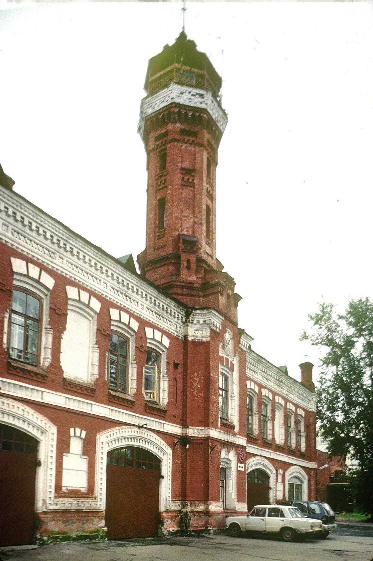 Централна пожарна станция и наблюдателна кула. Август 1999 г.