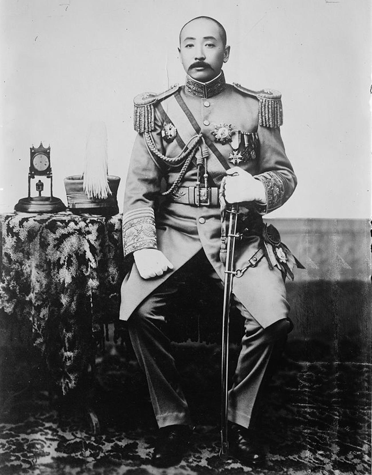 Кинески генерал и манџурски војсковођа Џанг Цуолин.