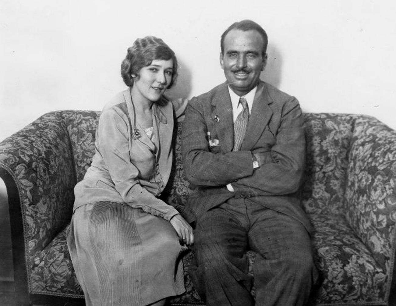 Мери Пикфорд и Дъглас Феърбанкс в Москва