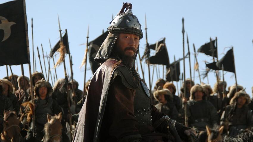 """Cuplikan adegan dalam film """"The Mongol"""", 2007."""