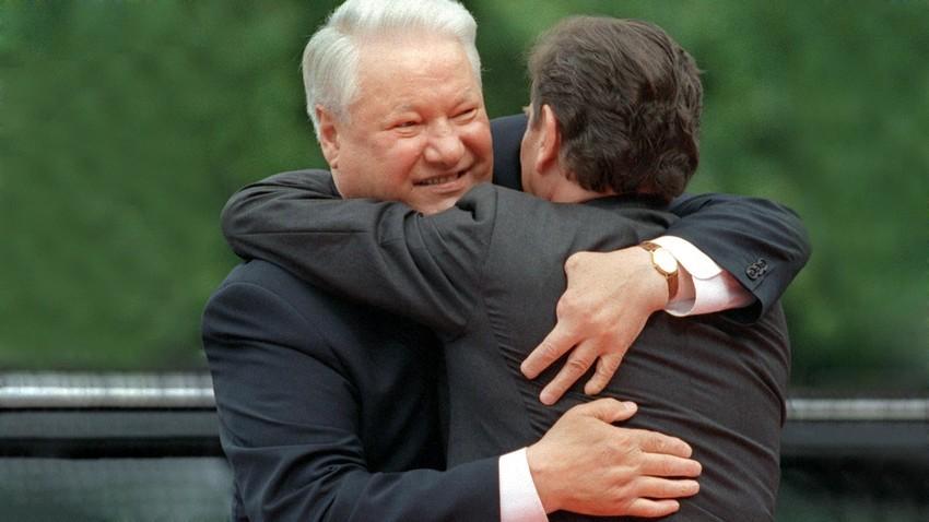 Boris Eltsin e il cancelliere tedesco Gerhard Schröder