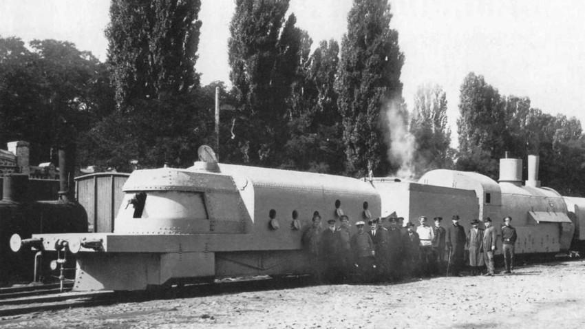 """Kereta lapis baja """"Hunhuz"""", Kiev, 1 September 1915."""