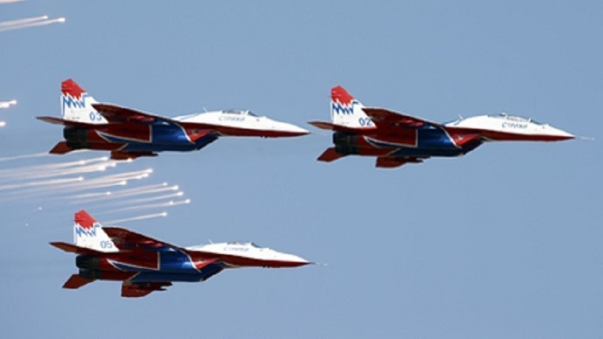 Akrobatska skupina Striži z letali MiG-29