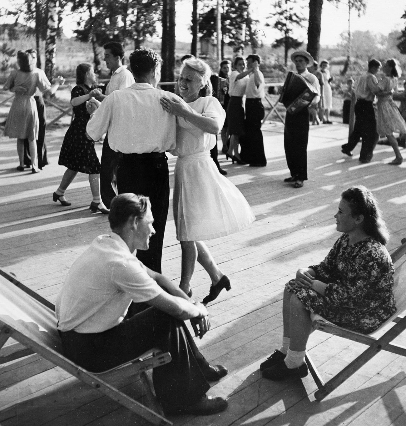 Советска бања, павилјон за танцување во одморалиште за работници од текстилната индустрија на градот Иваново, септември 1949 година.