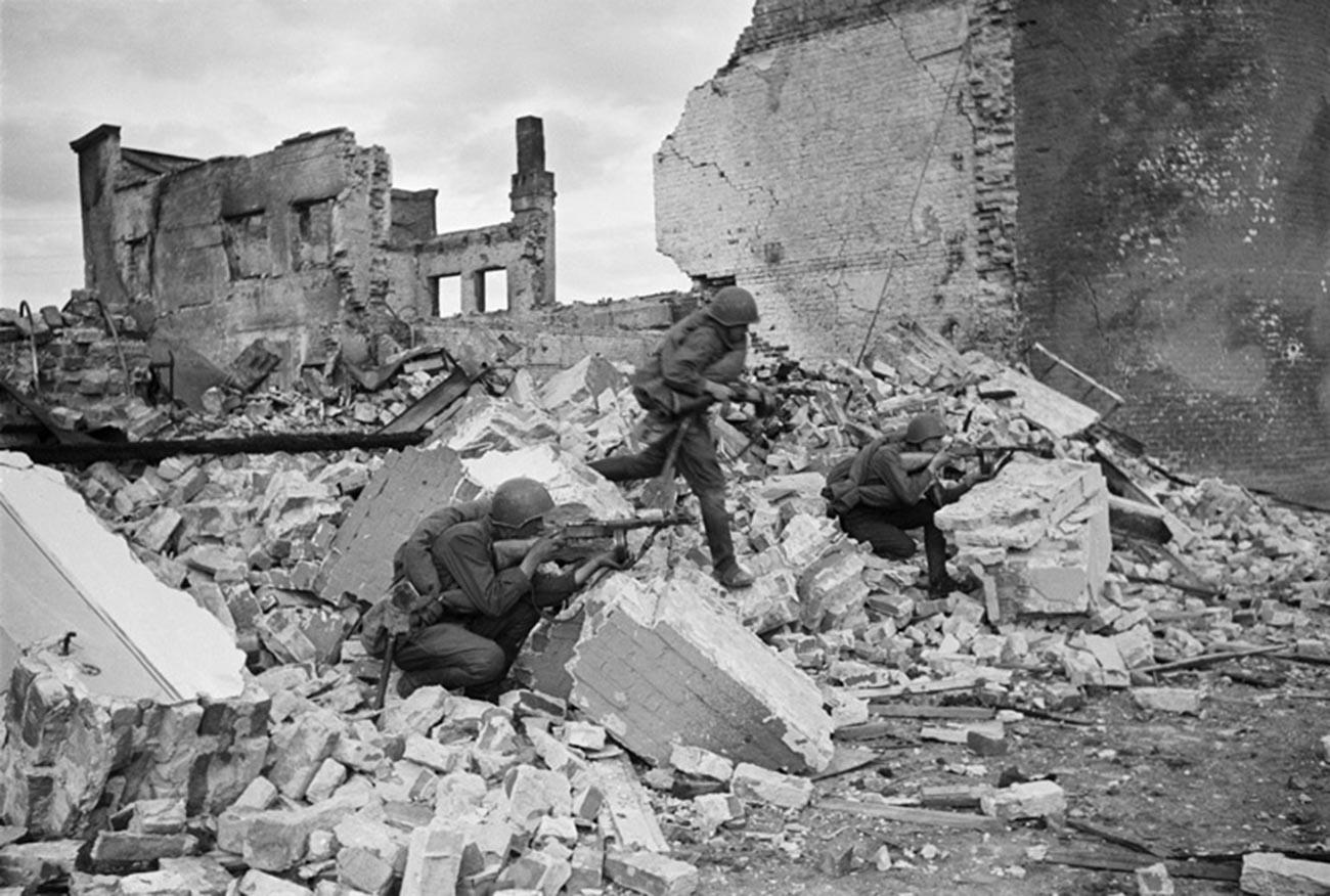 Combats pour l'usine de tracteurs à Stalingrad