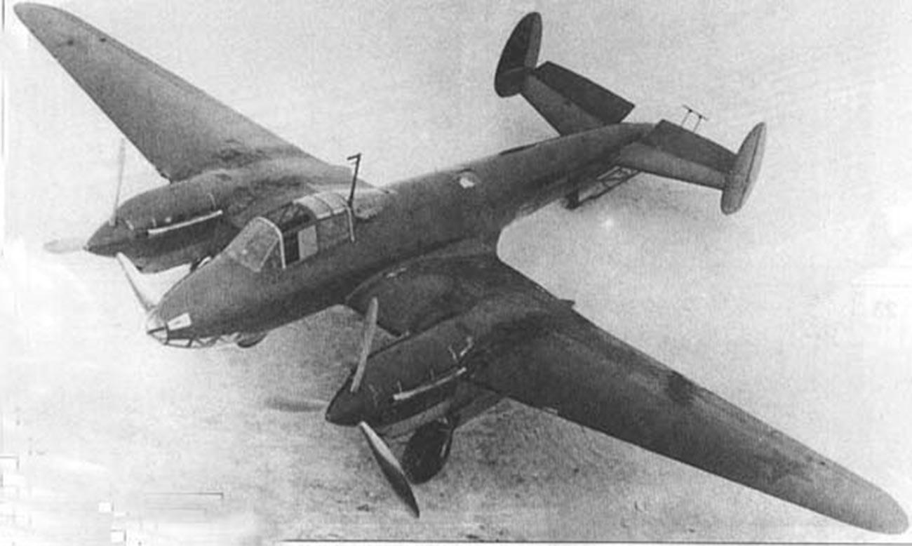Бомбардировщик Пе-2.