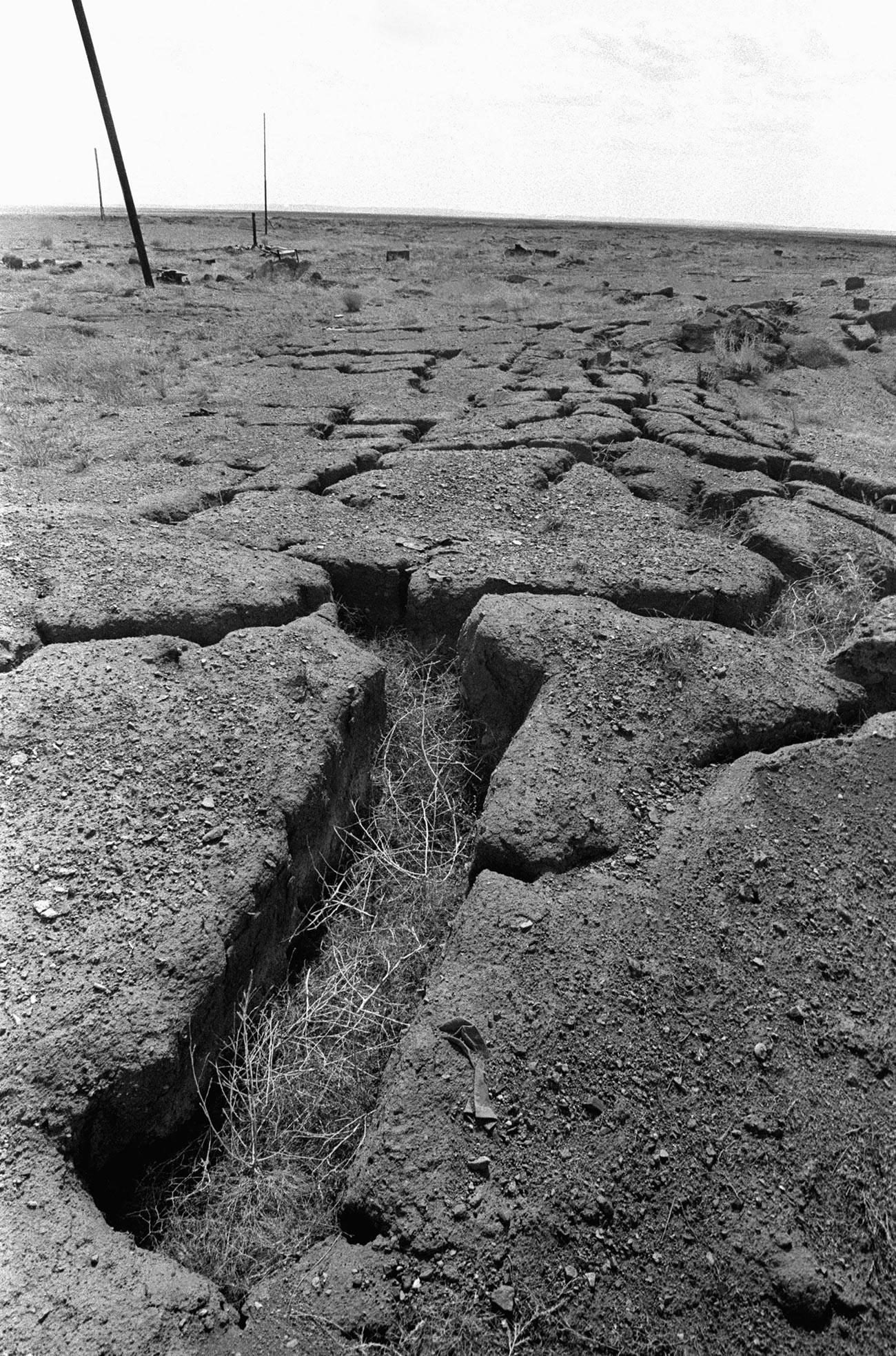 Последствия ядерного взрыва на Семипалатинском полигоне.