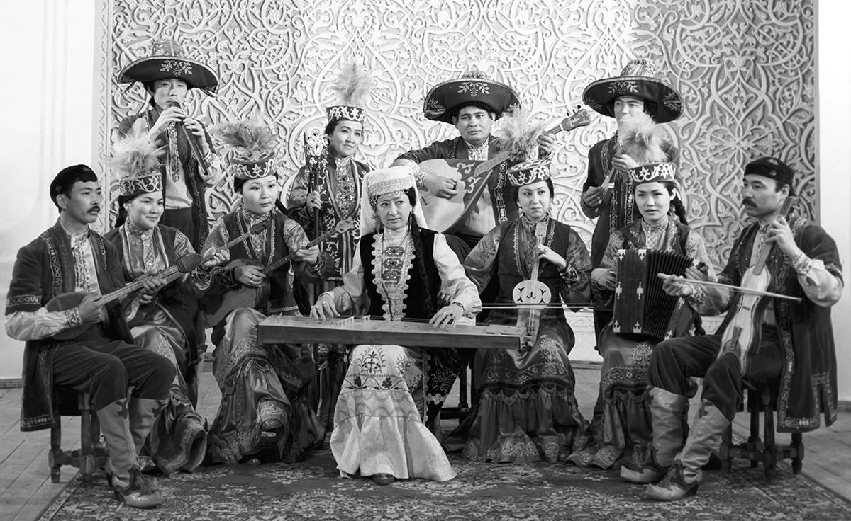 Ensemble folklorique « Sazguen Sazy », 1986