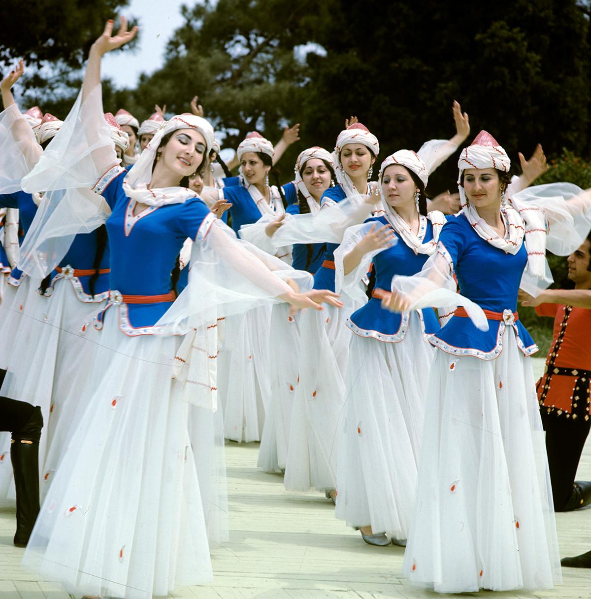 Ensemble d'État de chant et de danse d'Azerbaïdjan, 1979