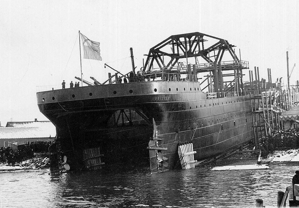 """""""Волхов"""" спуштен во вода на 17 ноември 1913."""