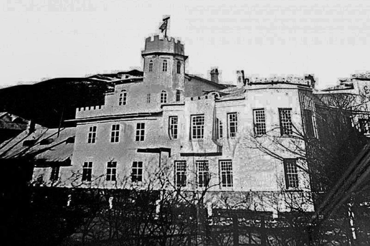 La demeure des Yankovski sur la péninsule de Sidemi