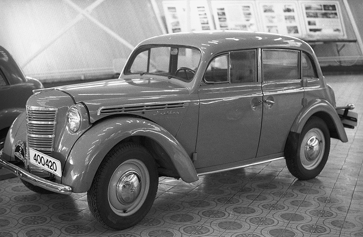 Moskwitsch-400, 1946-1954