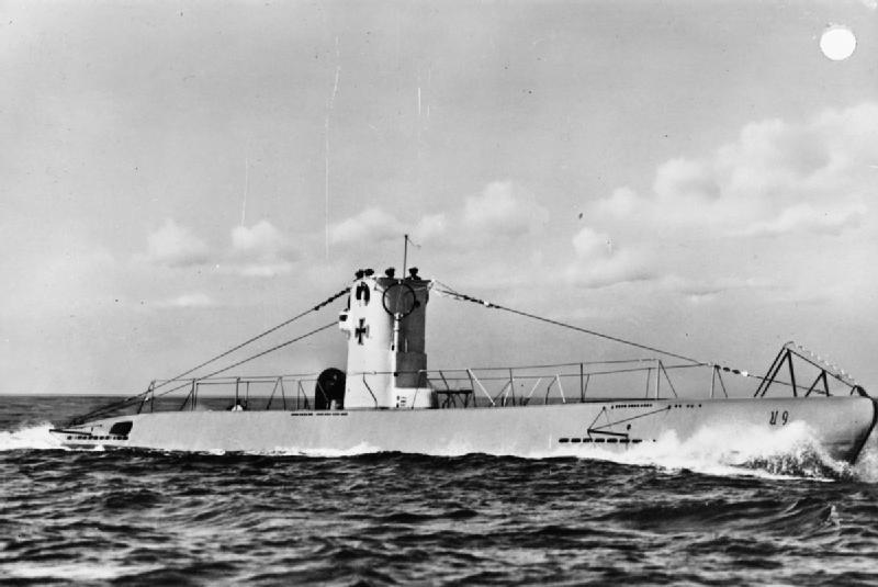 Submarino alemán U-9, hundido por aviones soviéticos Il-2 Shturmovik el 2º de agosto de 1944 en Constanza (Rumanía)