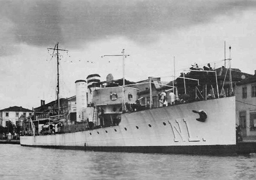 Rumunjski torpedni čamac Năluca koji su 1944. godine potopili sovjetski bombarderi..