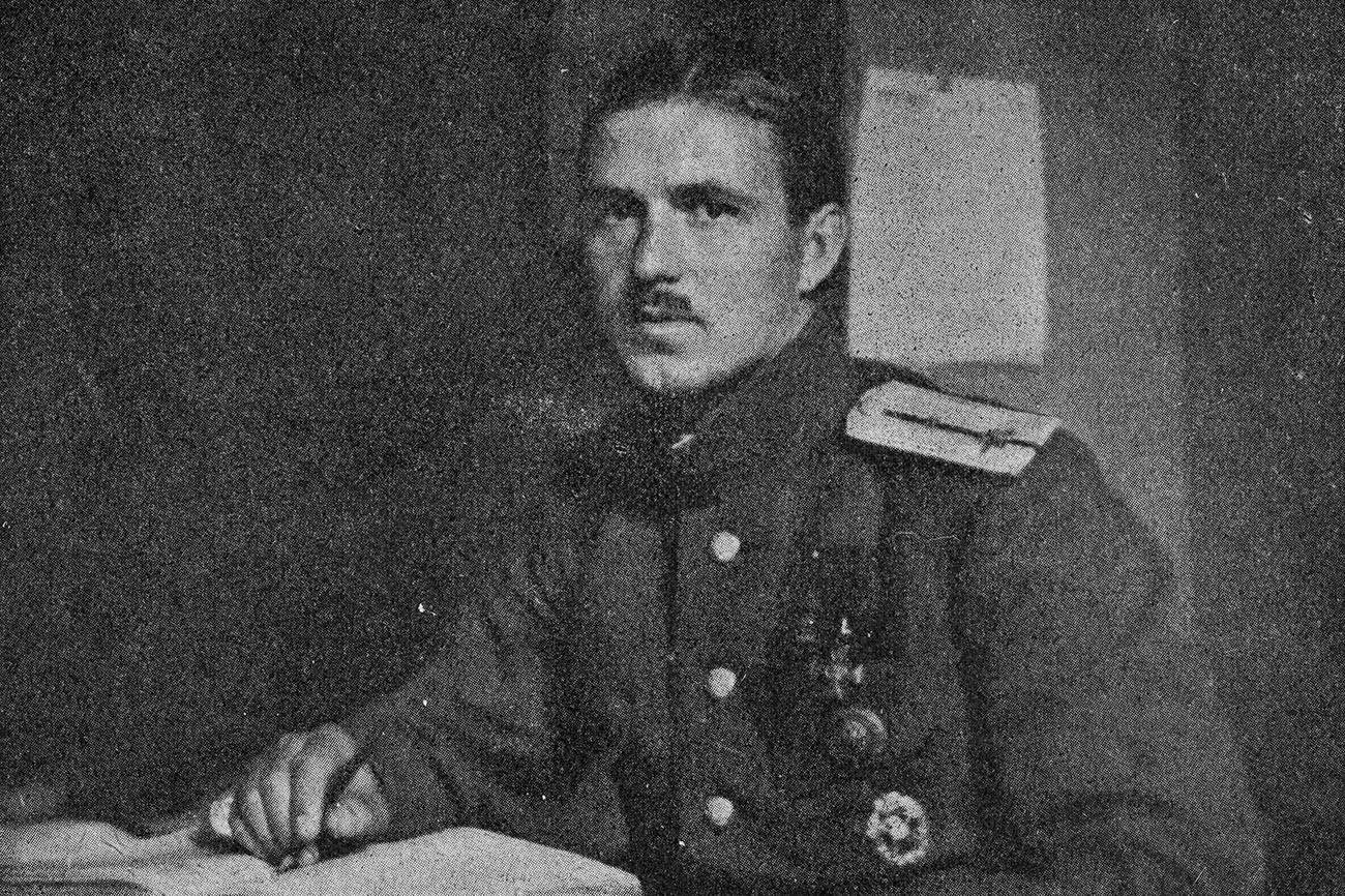 Онисим Панкратов в годы службы в авиации, в звании прапорщика