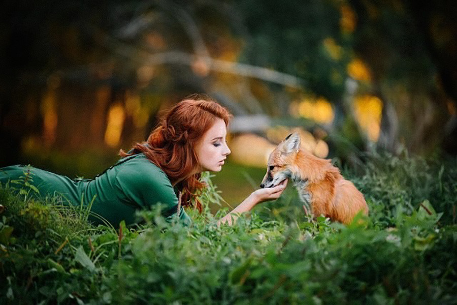 Gerda com uma amiga humana