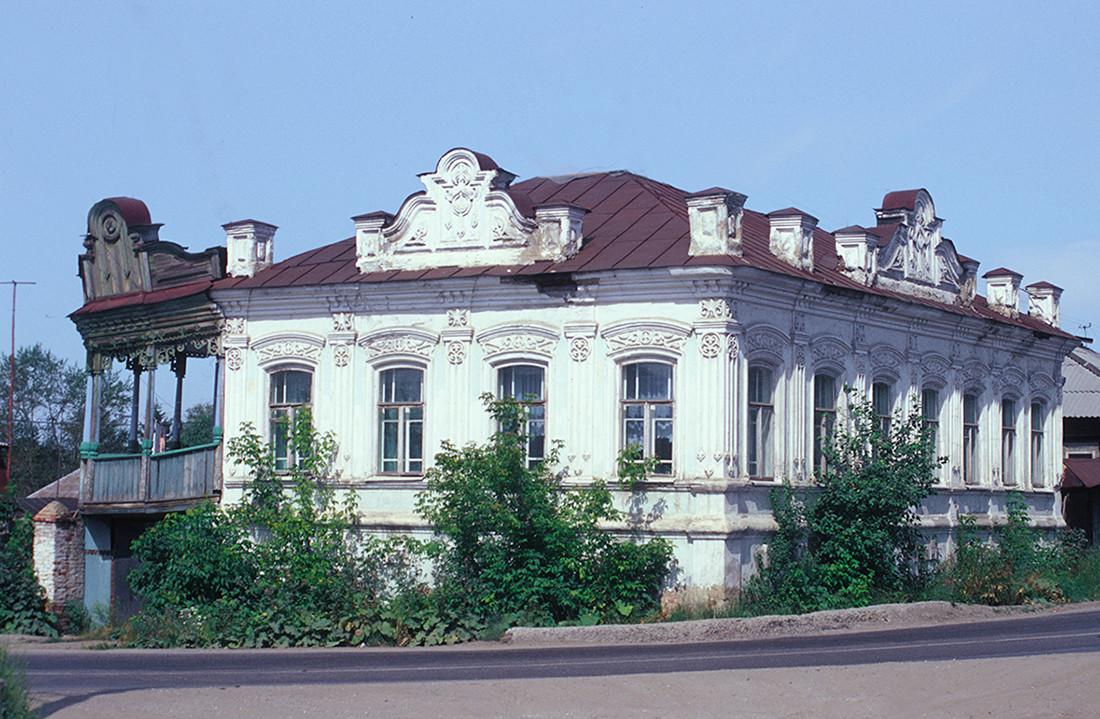 Maison et magasin de la fin du XIXe siècle, allée de l'Enfance et rue Soviétique