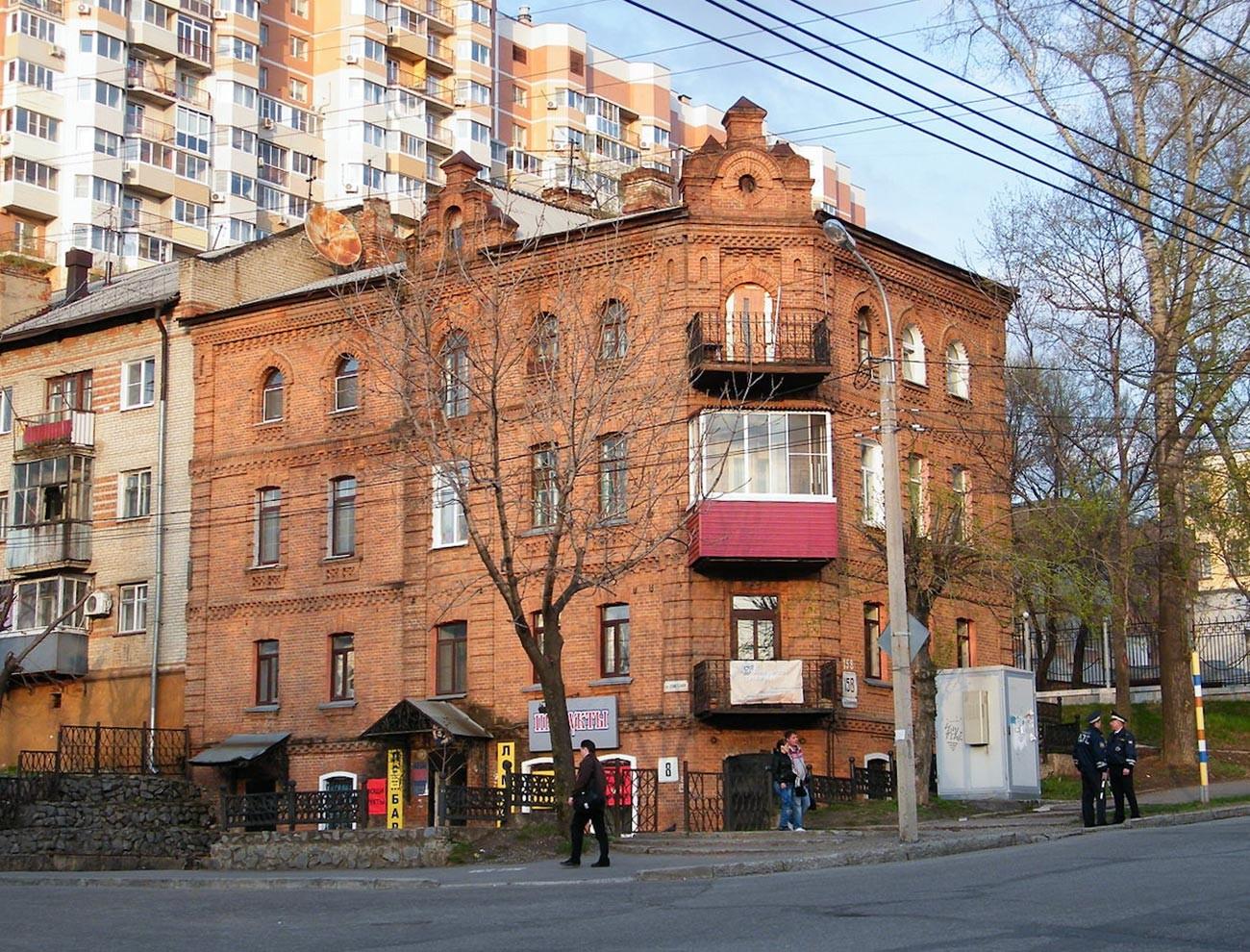 Tifontai's house at Sovetskaya Street 8 in Khabarovsk