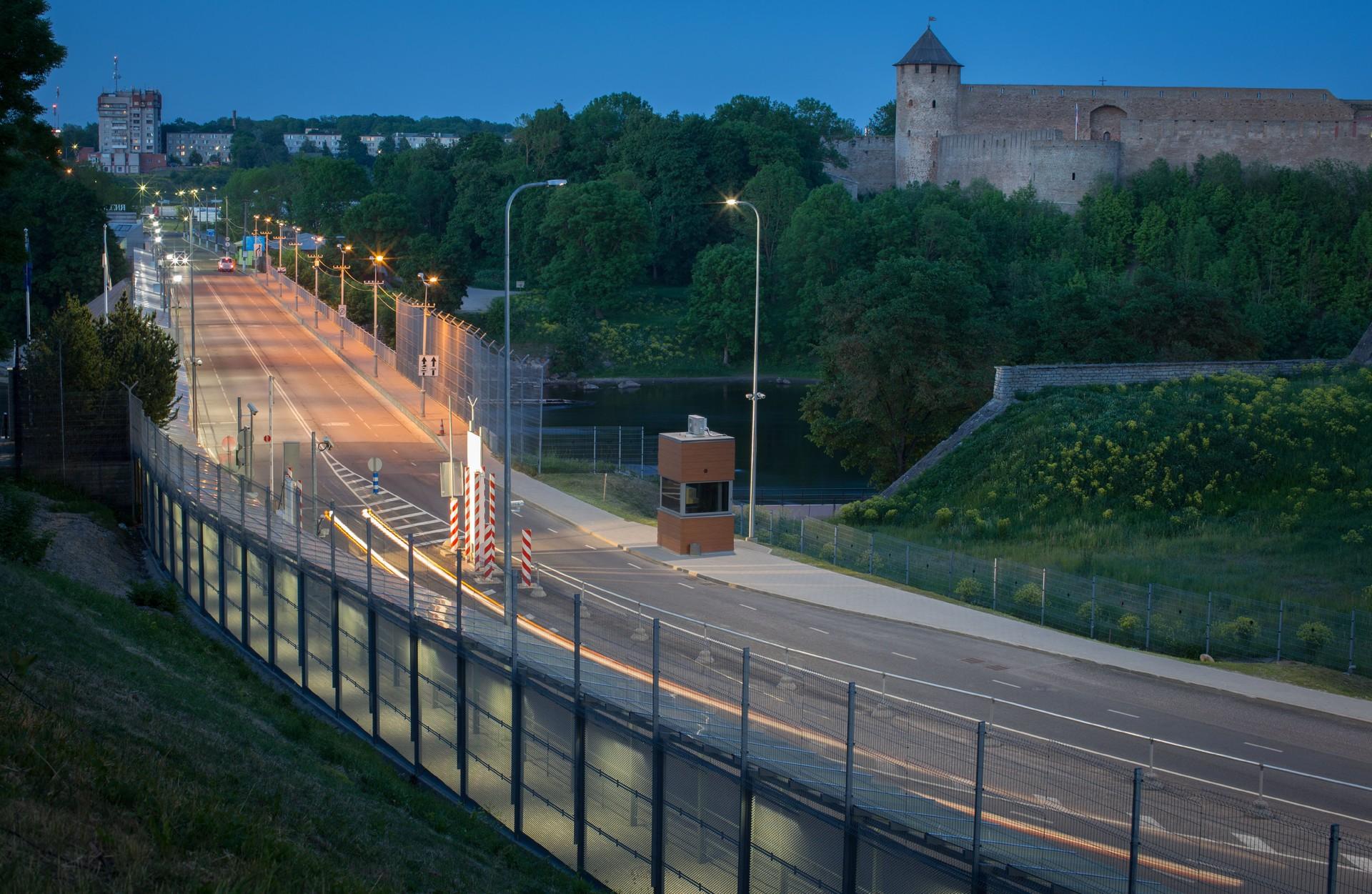 Most med Narvo (Estonija) in Ivangorodom (Rusija)