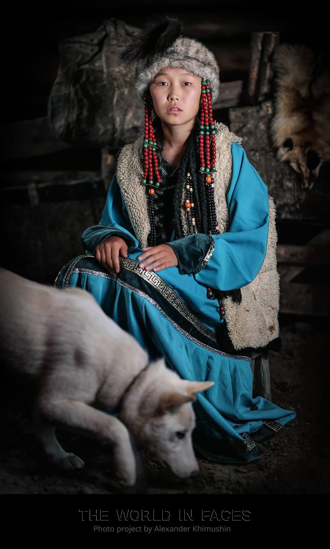 Eine junge Sojoten-Frau
