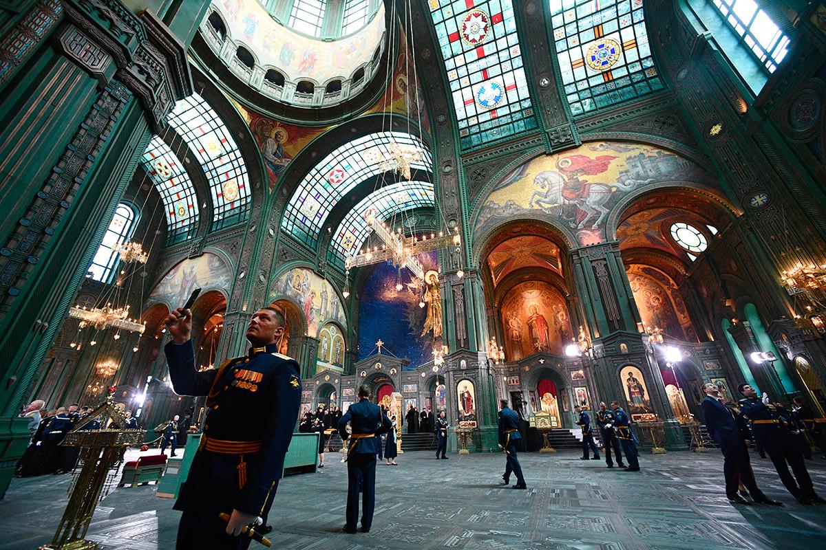 ロシア軍主聖堂の内装