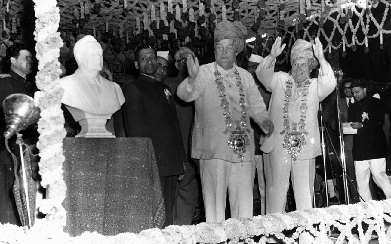 Hruščov med obiskom Burme