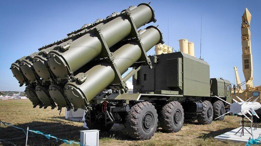 "Ракетни систем ""Бал"" / индекс ГРАУ 3К60, ознака НАТО: SSC-6 Sennight (рус. ""неделя"")"