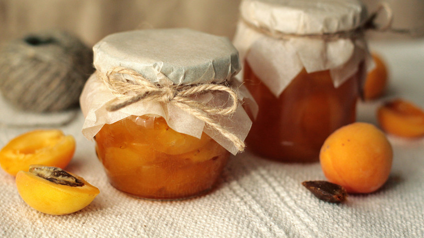 Keep the summer spirit alive with this easy-to-cook fruit jam!