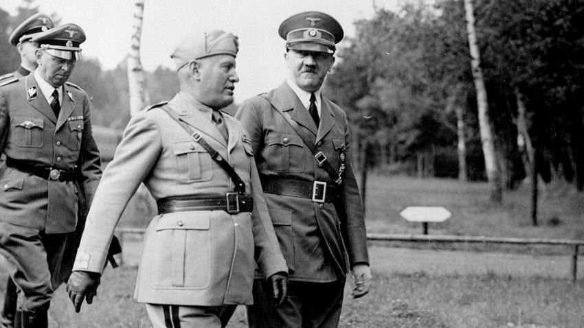Мусолини и Хитлер на руския фронт, 1942 г.