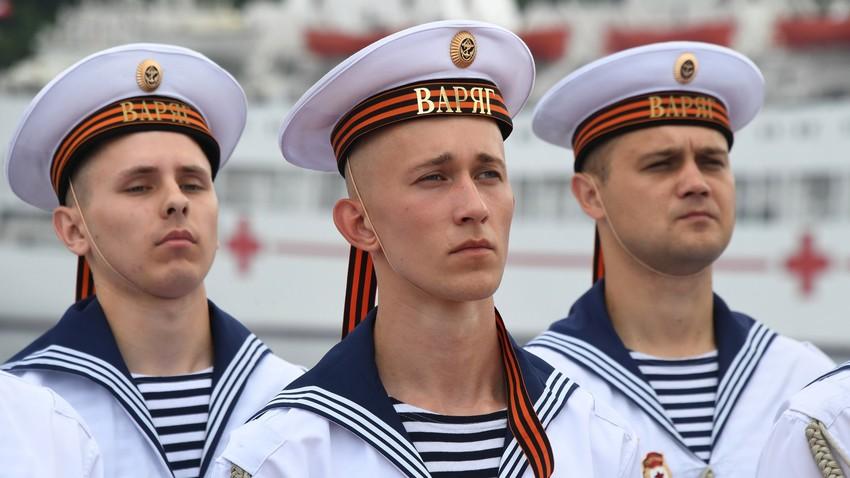 Russian sailors' second skin: The tel'nyashka