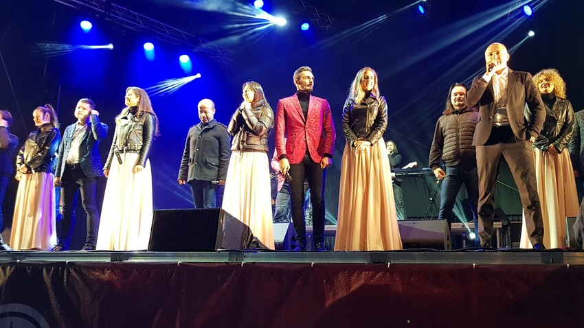 Trotz schlechten Wetters war der Auftritt des Turetsky-Chores in Dresden ein großer Erfolg.