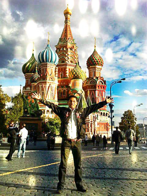 Andi saat berkuliah di Moskow.