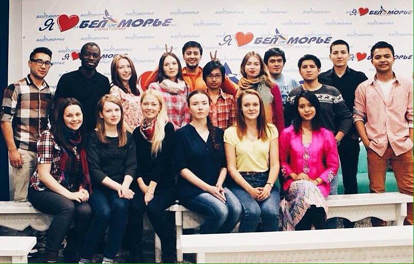 Iksan (kanan), saat mengikuti Kelas Musim Panas Komunikasi Multi Budaya di Kota Arkhangelsk.