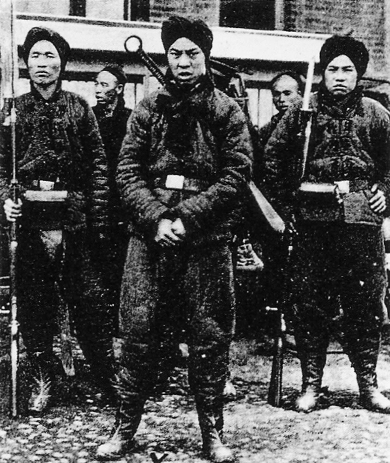 Des membres de la société secrète chinoise Les Poings de la justice et de la concorde