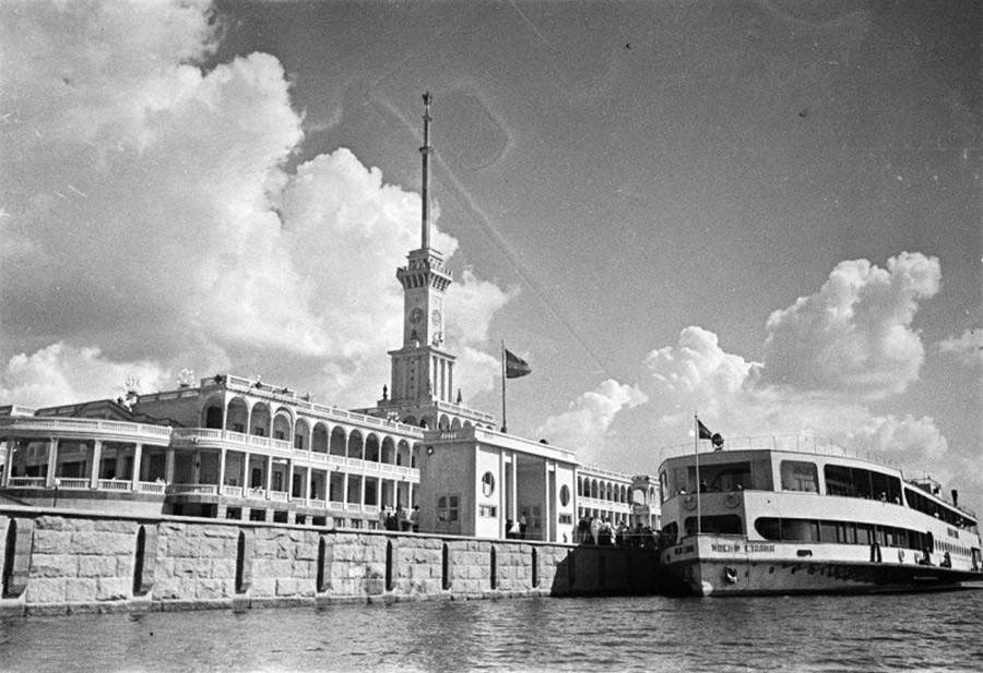 La stazione fluviale nel 1938