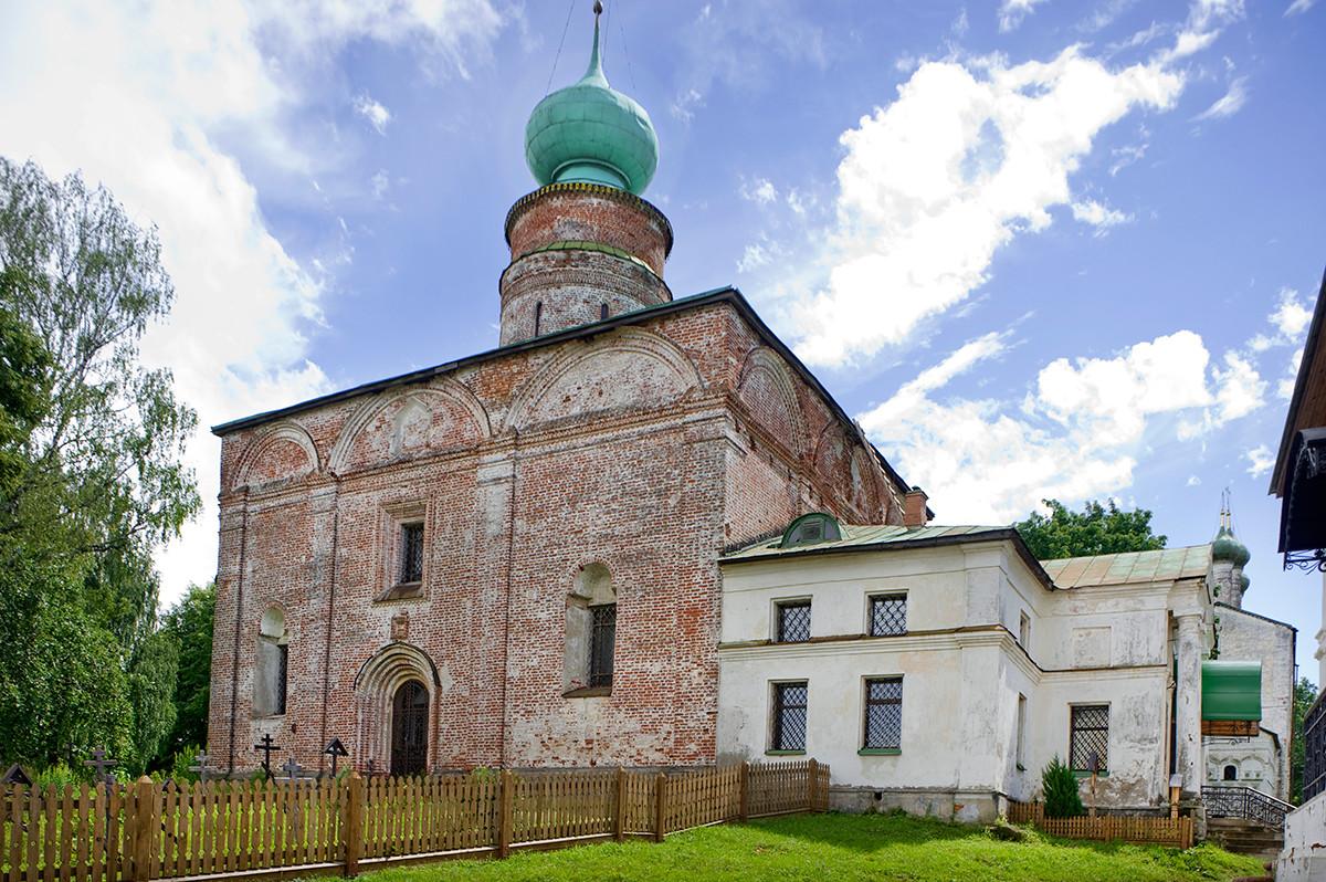 Cathédrale Saint-Boris-et-Saint-Gleb, vue nord-ouest.