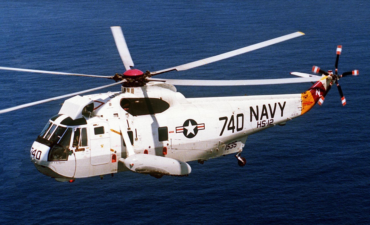 A U.S. Navy Sikorsky SH-3H Sea King anti-submarine warfare helicopter from Helicopter Anti-Submarine Squadron HS-12