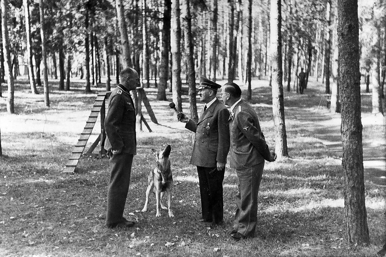 アドルフ・ヒトラーがヴィーンヌィツャにて