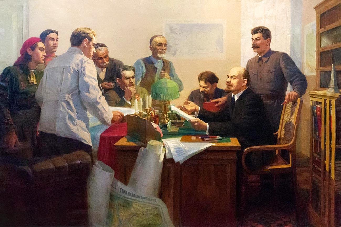 Signature du décret sur la formation de la République socialiste soviétique autonome tatare (RSSAT)