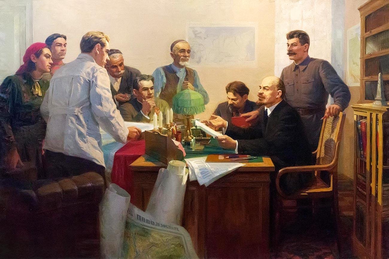 """""""Assinatura de decreto para formar a República Socialista Soviética Autônoma do Tatarstão"""". Pintura de 1952."""