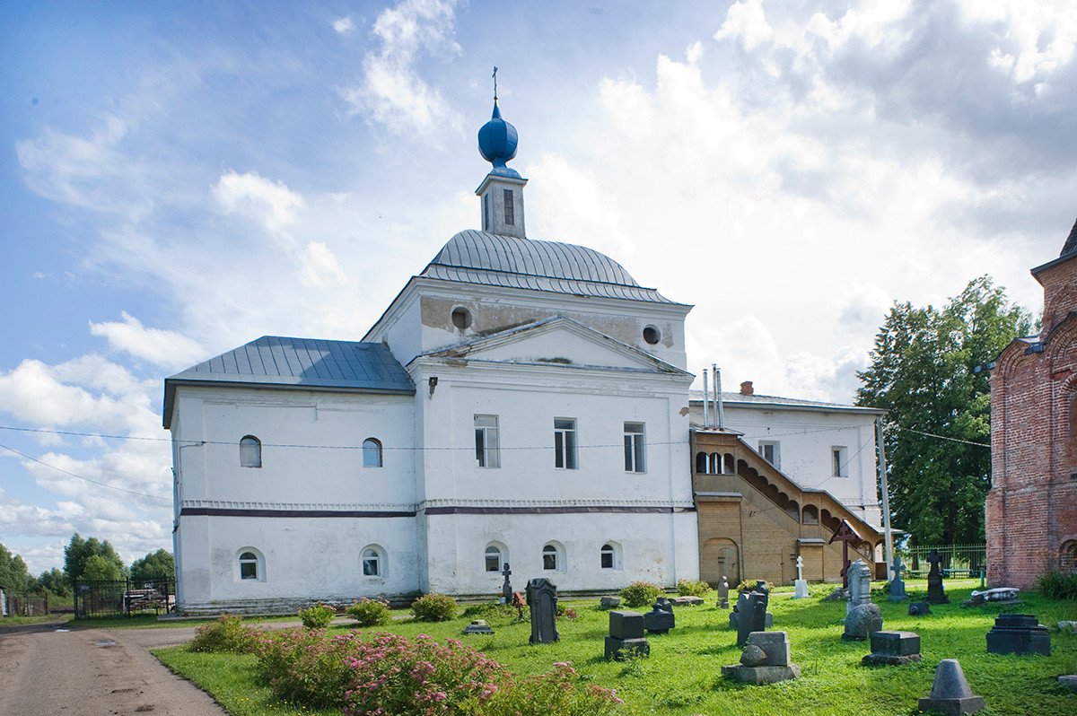 Rostov. St. Avraamy Epiphany Monastery. Church of the Presentation of the Virgin, north view after restoration. July 6, 2019