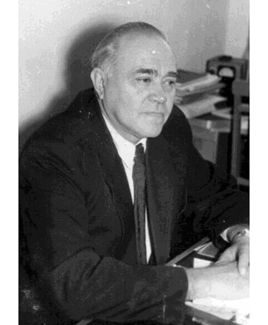 O professor Borís Khvatov.