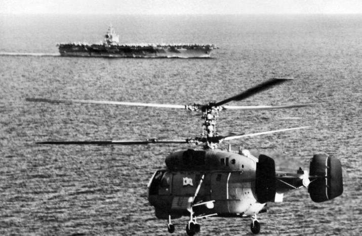 Un helicóptero Kamov Ka-27 de la Armada soviética (bautizado