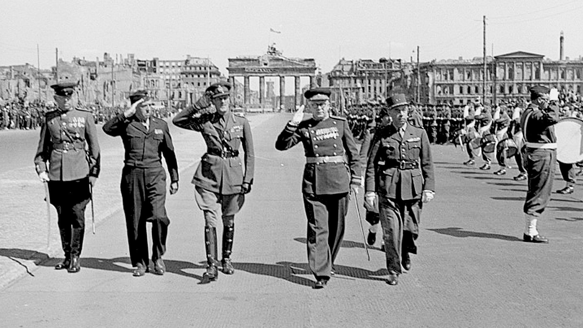 Alliierten-Parade 8 Май, 1946